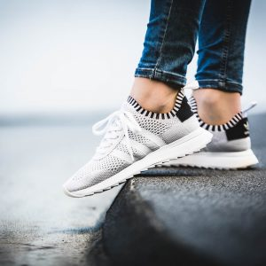 adidas-flb_runner-w-pk-white-by2792-mood-2